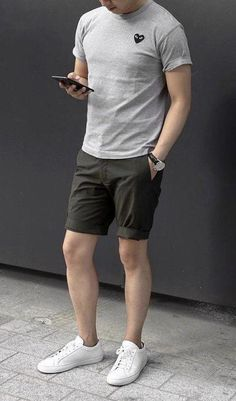 51 Chic White Sneaker Outfit You've Ever Laid Eyes On - Men's style, accessories, mens fashion trends 2020 Stylish Men, Men Casual, Classy Casual, Casual Styles, Classy Chic, White Sneakers Outfit, Summer Sneakers, Sneaker Outfits, Look Man