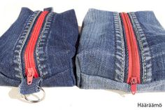 Tutorial to make recycled jeans pencil cases. In Finnish but the pictures are… Diy Pochette, Denim Scraps, Jean Crafts, Denim Purse, Denim Ideas, Pencil Bags, Creation Couture, Recycled Denim, Fabric Bags