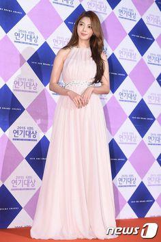 [Photos] 2015 KBS Drama Awards Red Carpet : Actresses @ HanCinema :: The Korean Movie and Drama Database