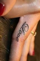 Výsledek obrázku pro fingers tattoo designs