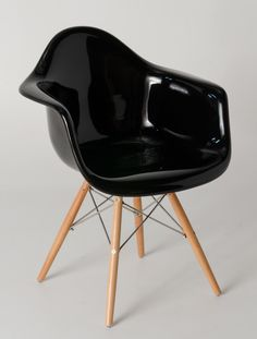 Eames Chair Gepolstert this chair is really to what i need at my conference table