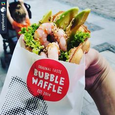 Креветки+авокадо🍤💚👌🏻😎📸 by @piranyablr.  #bubblewaffle#uniqueproduct#handmade#franchise#lviv#thatswhatiwant#foodart#originaltaste