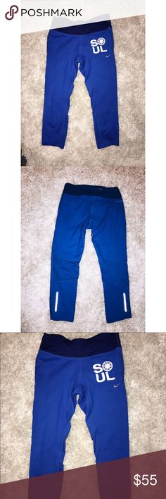 Soul Cycle Nike workout leggings Cropped royal blue soul cycle Nike leggings. In great condition with no pilling!  Stretchy and Goes below the knee right above your ankle Nike Pants Leggings