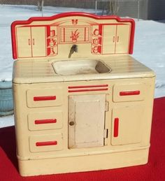 Wolverine Litho Toy Kitchen Sink