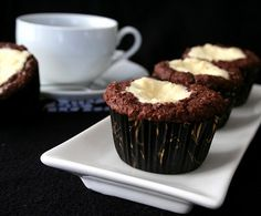 Low Carb Black and White Muffins - muffins and cheesecake in one, how can you go wrong?