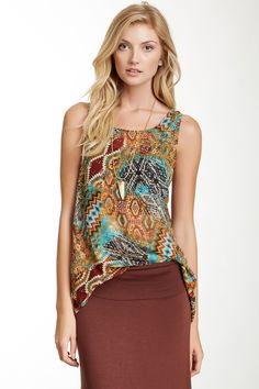 Love the tunic top!