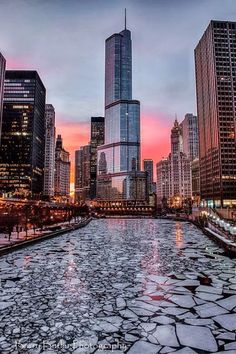 Chicago River in February 2014