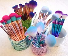 When they're all so pretty you can't choose a fave! off all GWA makeup brushes with code: BRUSHCRUSH ends May 2017 When they're all so pretty you can't choose a fave! off all GWA makeup brushes with code: BRUSHCRUSH ends May 2017 Makeup Brush Holders, Makeup Brush Set, Cute Makeup, Pretty Makeup, Sweet Makeup, Makeup Storage, Makeup Organization, It Cosmetics Brushes, Makeup Cosmetics