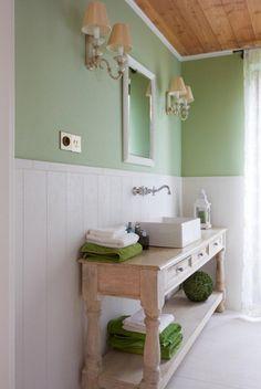 Zielona łazienka w stylu prowansalskim