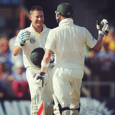 What a captain's knock! Steve Smith congratulates his skipper on reaching a gutsy 24th #Test century. Aust 3-303 #Ashes #Cricket Steve Smith, Sports Stars, Knock Knock, Cricket, Over The Years, Legends, Australia, Couple Photos, Summer