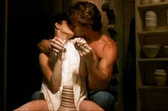 Ghost Ghost is iconic in many ways, and it has a lot of iconic scenes. Patrick Swayze and Demi Moore had crazy sexual chemistry in this film. Demi Moore, Dirty Dancing, Ghost Movies, 90s Movies, Ghost Film, Blockbuster Movies, Movies Free, Ghost Patrick Swayze, Image Cinema