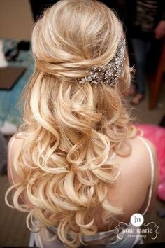 blonde half up half down curly wedding hairstyles with accessoy
