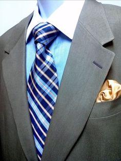 $1895 Elegant Ermenegildo Zegna suit.  Price: $79.95