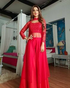 Jennifer Winget Looks Hot in New Post-Leap Avatar for Bepannah As Zoya! 6 Times Indian TV Actress Made the Red Colour Dresses Look Sexy (See Pictures)Regrann from - Watch out for this stunning Lady in Red tonight on Colors at Makeup byJennifer is so Indian Fashion Dresses, Indian Gowns Dresses, Dress Indian Style, Indian Designer Outfits, Pakistani Dresses, Net Dresses, Designer Party Wear Dresses, Kurti Designs Party Wear, My Princess