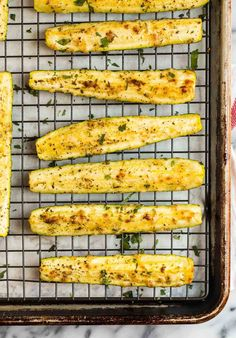 How to make the best easy roasted zucchini! Topped with Parmesan and Italian seasoning, this delicious zucchini is never soggy and goes with so many dishes. Roasted Zucchini And Squash, Roasted Zucchini Recipes, Roast Zucchini, Vegetable Recipes, Zucchini Sticks, Recipe Zucchini, Zucchini Noodles, Side Dishes For Ribs, Healthy Side Dishes