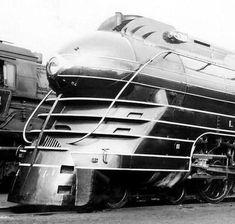 Wonderful example of a Art Deco Streamlined Lehigh Valley R/R Pacific Locomotive Arte Art Deco, Bmw Autos, Streamline Moderne, Train Art, Old Trains, Train Pictures, Train Engines, Train Layouts, Steam Locomotive