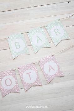 Guirnalda imprimible gratuita en el blog de Nice Party. Guirnalda de banderines mint, rosa o azul para decorar tus fiestas de cumpleaños