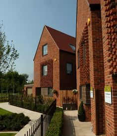 A project showcasing bricks from Hanson UK has scooped first prize in the 'best housing development 6 to 25 units' category at the 2012 Brick Development Association (BDA) awards.