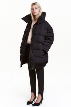 Oversized down jacket in woven fabric with a detachable stand-up collar with press-studs and a zip and wind flap with press-studs at the fr Winter Mode Outfits, Winter Fashion Outfits, Fashion 2016, Puffy Jacket, Vest Jacket, Black Puffer Coat, Jackets For Women, Clothes For Women, Fashion Company