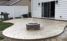 Arizona flagstone stamped patio w/ custom made natural gas fire pit Fire Pit Backyard, Backyard Patio, Backyard Landscaping, Firepit Deck, Backyard Ideas, Outdoor Fire, Outdoor Living, Natural Gas Fire Pit, Concrete Patio Designs