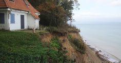 Das Brodtener Ufer ist eine über 4 km lange Steilküste (bei Hermannshöhe) an der Lübecker Bucht an der Ostsee.