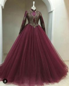 Pearl_designers Book ur dress now Completely stitched Customised in all colours For booking ur dress plz dm or whatsapp at 9582994206 Muslim Wedding Dresses, Bridal Dresses, Prom Dresses, Wedding Gowns, Elegant Dresses, Pretty Dresses, Tulle Prom Dress, Beautiful Gowns, Designer Dresses