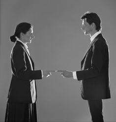 Marina Abramovic et Ulay : Point de contact, 1980. Performance de De Appl Art Center, Amsterdam. Adagp, Paris 2015. Cortesy Marina Abramovic Archives.