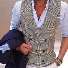 Via @dailysuits #worldsuniquedesigns #loveit #suit #suitup #suits #man #mansstyle #manstyle #suitlover #fashion #fashionable #fashionlove #styling #manstyling #stylish #fashionstyle #fashionstyling #stylingideas #stylingclothes #likepost #likelikelike