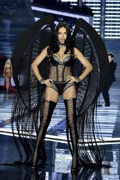 The 2017 Victoria's Secret Fashion Show was full of show-stopping outfits—see our favorites here.