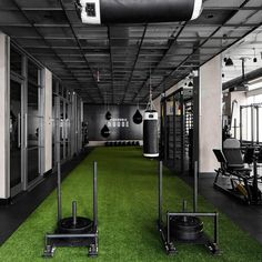 Athletes & Trainers – PERFORMIX Having a fit and fit body is desirable by everyone. Home Gym Basement, Gym Room At Home, Workout Room Home, Workout Rooms, Garage Gym, Warehouse Gym, Small Home Gyms, Gym Setup, Dream Home Gym