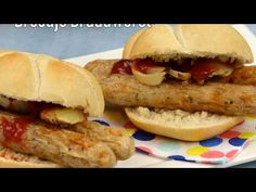 Smulrecept: Broodjes braadworst uit de Airfryer - Airfryertotaal.nl Hot Dog Buns, Bagel, Bread, Food, Brot, Essen, Baking, Meals, Breads