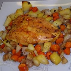 Egy finom Tepsis csirkemell zöldségágyon sütve ebédre vagy vacsorára? Tepsis csirkemell zöldségágyon sütve Receptek a Mindmegette.hu Recept gyűjteményében! Ale, Lose Weight, Food And Drink, Mint, Lunch, Chicken, Recipes, Diets, Ale Beer