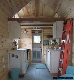 Natalie's Small Refuge - http://www.smallroomdesigns.com/small-home-ideas/natalies-small-refuge.html