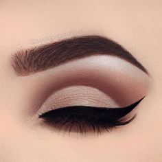 Simple matte nude eye makeup - LadyStyle