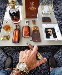 Cigar Humidor, Cigar Bar, Cigar Shops, Good Cigars, Cigars And Whiskey, Cigar Accessories, Cigar Room, Pipes And Cigars, Cigar Smoking