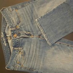 American Eagle Outfitters Straight Leg Jean American Eagle Outfitters Straight Leg Jean in medium wash. Size 6 Long. No distressing. In A1 condition, barely worn American Eagle Outfitters Jeans Straight Leg