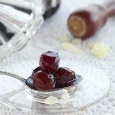 Γλυκό του κουταλιού δαμάσκηνο / Plum spoon sweet  http://www.kouzinomageiremata.gr/index.php/index.php/en/2012-12-06-18-50-12/2012-12-06-18-50-41/item/378-plum-spoon-sweet