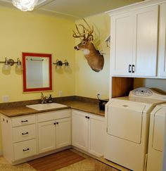 Fieldstone cabinets with brighton door style in cherry for Brighton kitchen cabinets