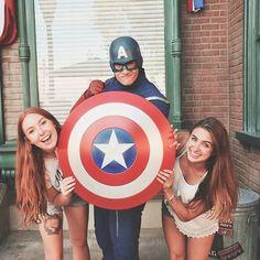 hey cap, is this shield snake proof? . . . #disneyprograms #dcp #icp #cep #disneyworld #disneyland #californiaadventure #dca #captainamerica #goals #bff #bffs #friends #marvel #superhero #instagram #ideas #inspo #inspiration #photography #disney