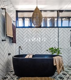 Now this is bathroom goals! Amazing by Concrete products supplied by 📸 by Concrete Interiors, Bathroom Goals, Bathroom Interior Design, Concrete Bathtub, Baths, Decorating Ideas, Instagram, Amazing, Easy