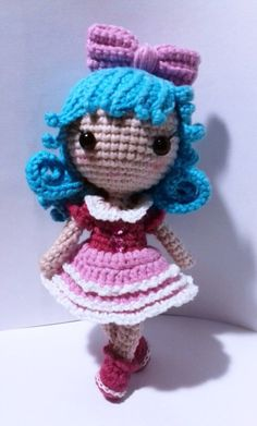 Tiny crochet doll, free amigurumi pattern, stuffed toy, #haken, gratis patroon (Engels), popje, meisje, knuffel, #haakpatroon