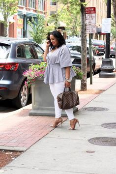 How to wear a casual wrap top   Plus Size Casyal Outfit Idea   Plus Size Outfit Idea   Plus Size Fashion  