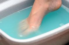 Toenail Fungal Infection? Add vinegar to foot bath. Unproven but some studies suggest it may inhibit growth of a certain bacteria. Soak feet 15 - 20 min i 1 part vinegar to 2 parts warm water. If skin gets irritated, try soaking only 2-3 times a week, or increase proportion of water in mixture. Unproven but anecdotal reports claim Vick's Vapo Rub works on nail fungus. Apply to infected nail. No consensus on how often. gm