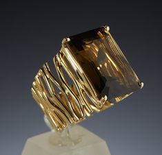 yellow gold with a large Smokey Quartz stone. Diamond Jewelry, Gold Jewelry, Jewelry Box, Jewelery, Jewelry Making, Unique Jewelry, High Jewelry, Luxury Jewelry, Art Deco Ring