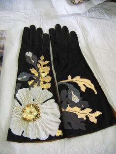 Gallery of Gorgeous Gloves by John Koch - Threads Hand Gloves, Mitten Gloves, Caroline Reboux, Elegant Gloves, Vintage Gloves, Leather Gloves, Mode Style, Hand Warmers, Wearable Art