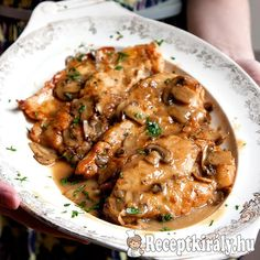For the perfect chicken marsala recipe, pounding the chicken cutlets before cooking renders them thin and terrifically tender. Deglazing the pan with Marsala and stock after cooking the chicken creates a quick, rich sauce. Best Chicken Recipes, Turkey Recipes, New Recipes, Dinner Recipes, Cooking Recipes, Popular Recipes, Thin Chicken Cutlet Recipes, Dinner Ideas, Salads
