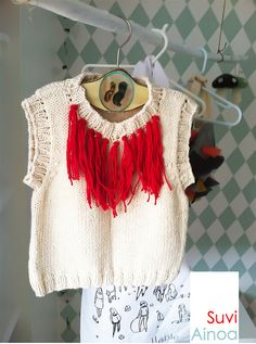 Suvi Ainoa Vest Spring/Summer 2012 -Great idea for older kids Crochet Clothes, Diy Clothes, Knitting Designs, Knitting Patterns, Kids Costumes Girls, How To Purl Knit, Knit Fashion, Kind Mode, Refashion