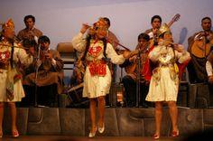 Peruvian traditional dance! http://www.peruinsideout.com/wp/destinations/peru/