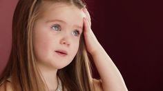 Um grande gesto, um grande coração: com apenas três anos, Emily James foi responsável por um ato de renúncia e compaixão. A pequena abdicou do seu lindo longo cabelo para ajudar outras meninas que passam pela situação difícil de um tratamento de quimioterapia.