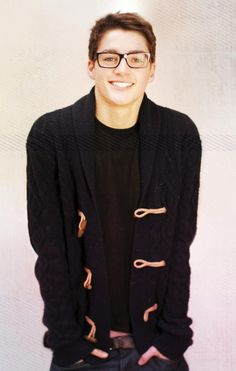 when guys can pull off glasses >
